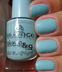 essence You Belong To Me Swatch