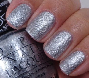 OPI This Gown Needs a Crown 1