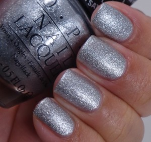 OPI This Gown Needs a Crown 2