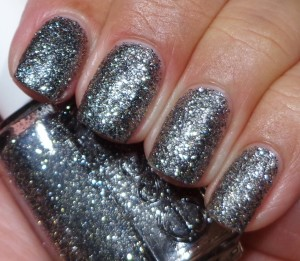 Essie Ignite The Night 1