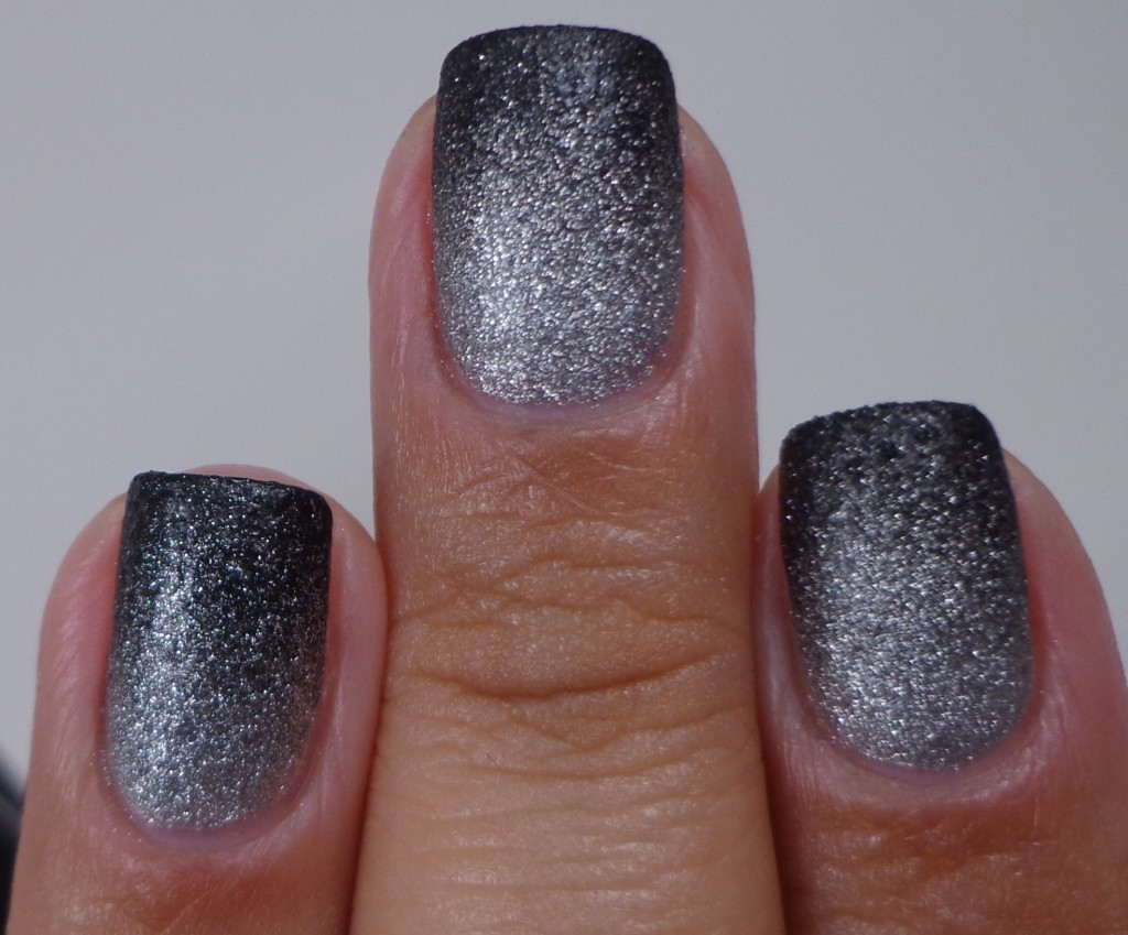 Gradient OPI This Gown Needs A Crown & OPI 4 In The Morning 3