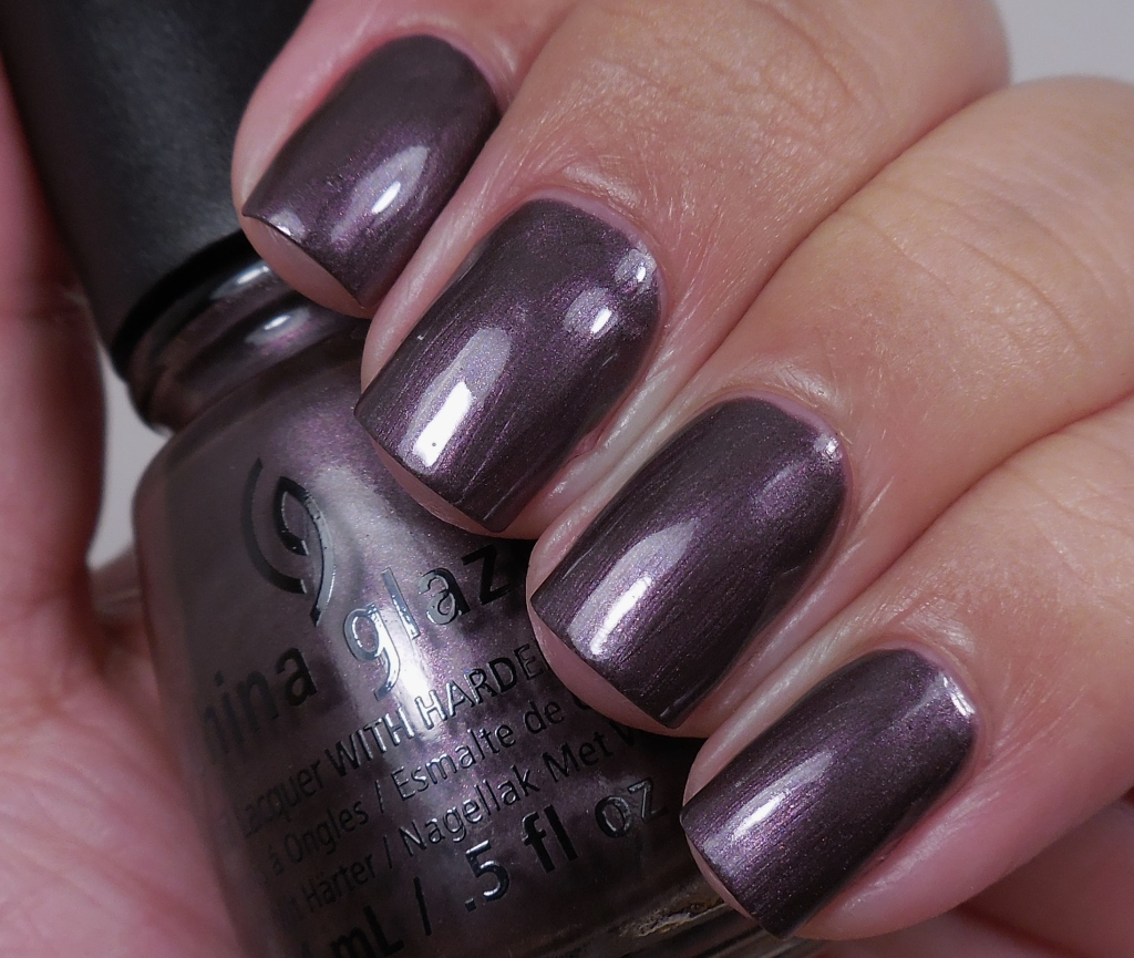 China Glaze No Peeking! 1