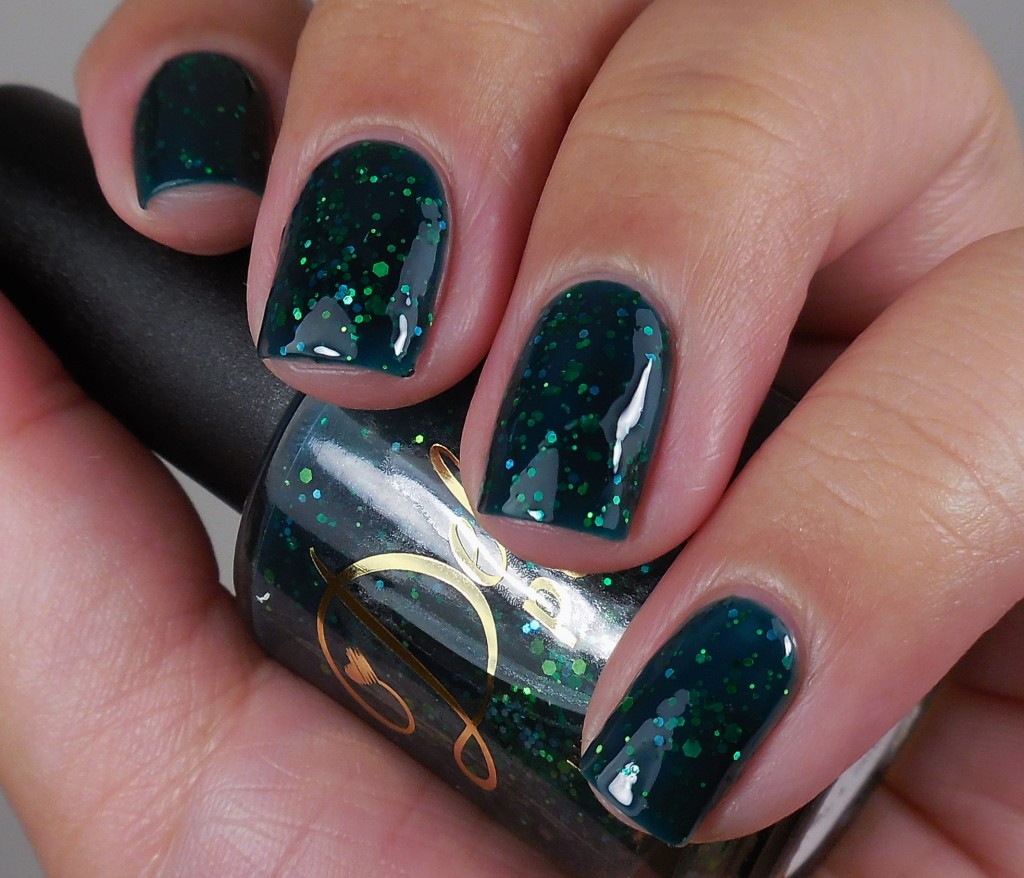 Delush Polish Green With Ivy 2