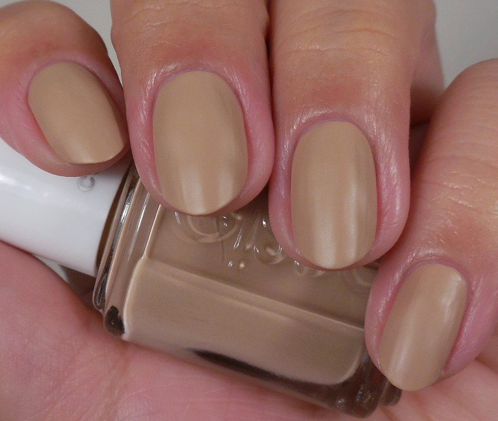 Essie All Eyes on Nudes 1