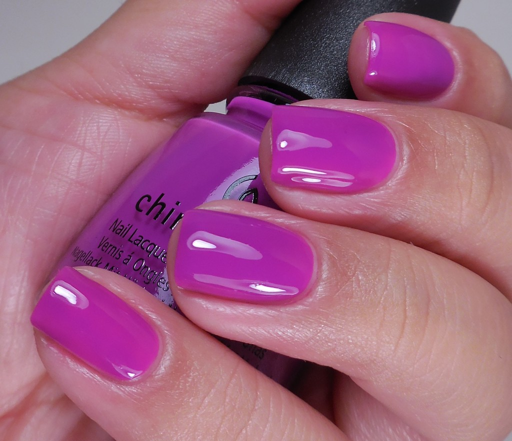 China Glaze Violet-Vibes 2
