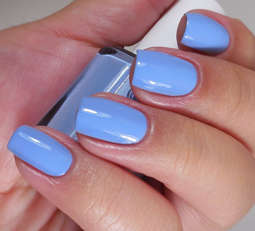 Essie Salt Water Happy 2