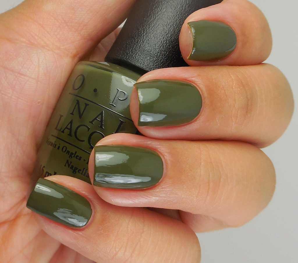 OPI Suzi - The First Lady Of Nails 2