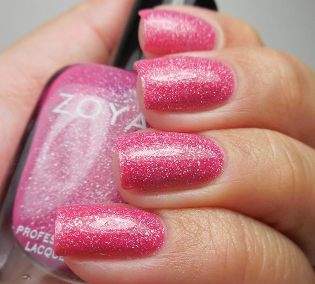 Zoya Winter Holos