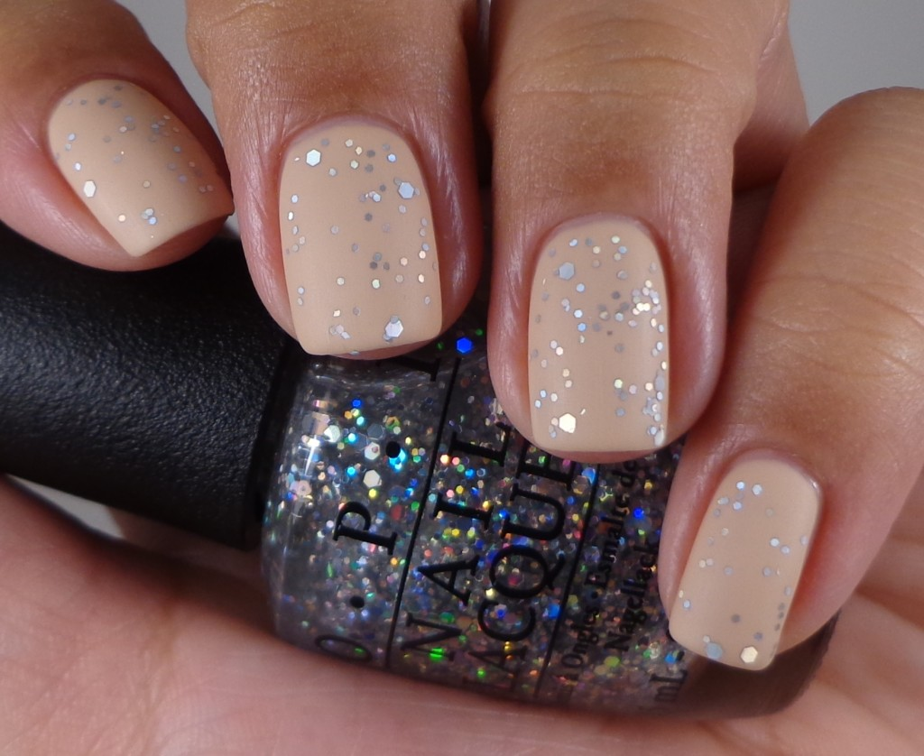 OPI Snowflakes In The Air Matte 1
