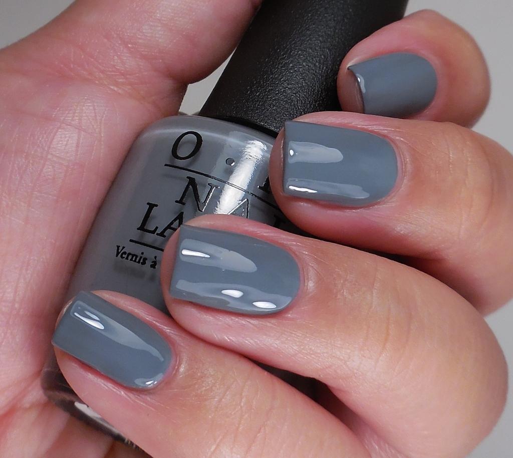OPI Embrace the Gray 2
